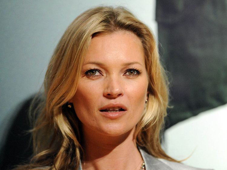 Kate Moss Disruptive39 Kate Moss 39called pilot a basic btch39 while