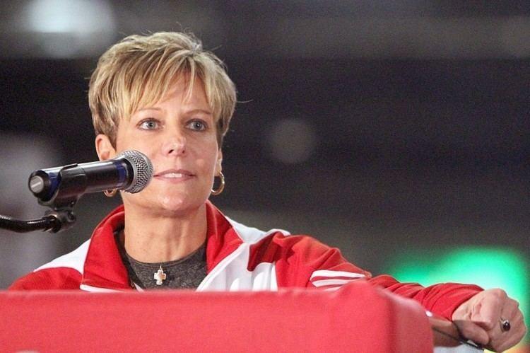 Kathi Bennett NIU womens basketball Head coach Kathi Bennett resigns Sports