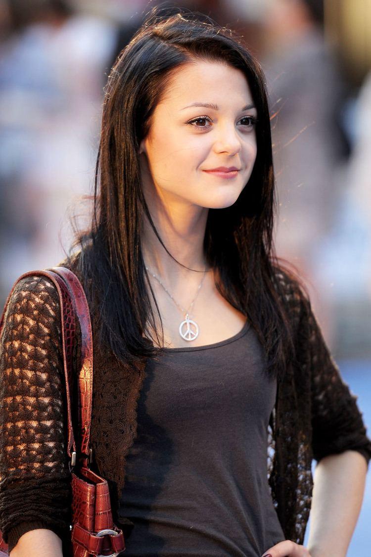Kathryn Prescott (born 1991)