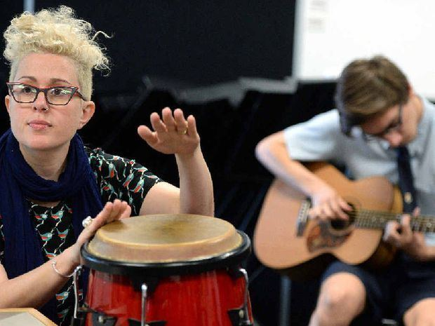 Katie Noonan Katie Noonan helps songwriters at school workshop Mackay Daily Mercury