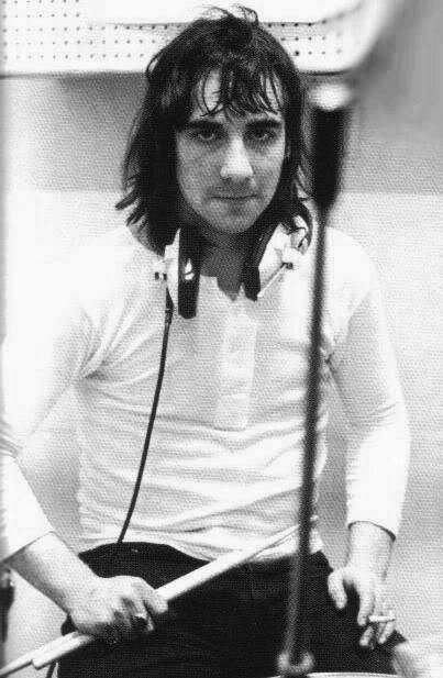 Keith Moon keith moon Music Pinterest Drums Keith moon and The who