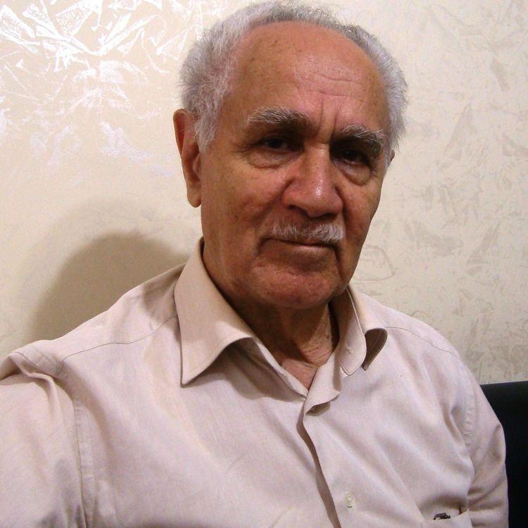 Kemal Burkay httpsuploadwikimediaorgwikipediacommonsff