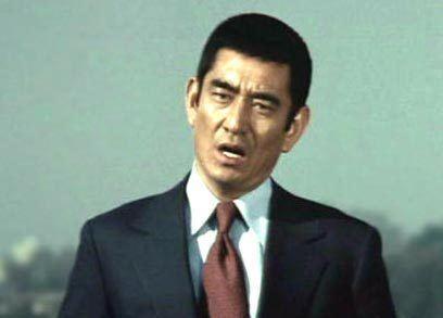 Ken Takakura Chinese fans mourn Takakura39s death1 Chinadailycomcn
