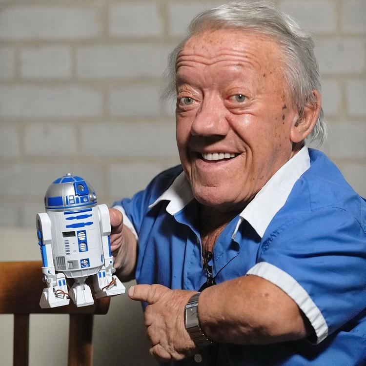 Kenny Baker (English actor) actors All That I Love
