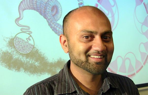 Kenny Sabir Kenny Sabir wins Three Minute Thesis competition at University of