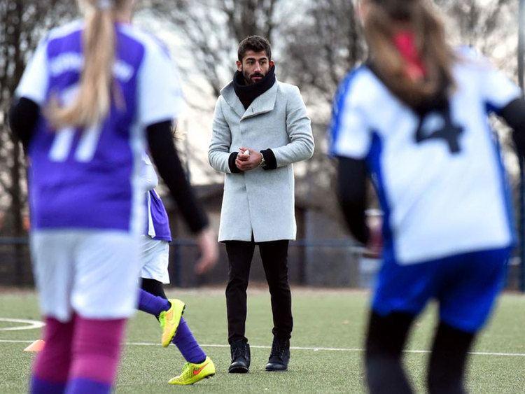 Kerem Demirbay Turkish footballer Kerem Demirbay referees girls football match