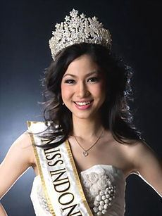 Kerenina Sunny Halim httpsuploadwikimediaorgwikipediaidthumb0
