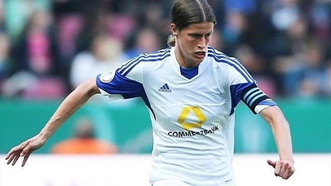 Kerstin Garefrekes Garefrekes to quit after 12th Frankfurt season UEFA