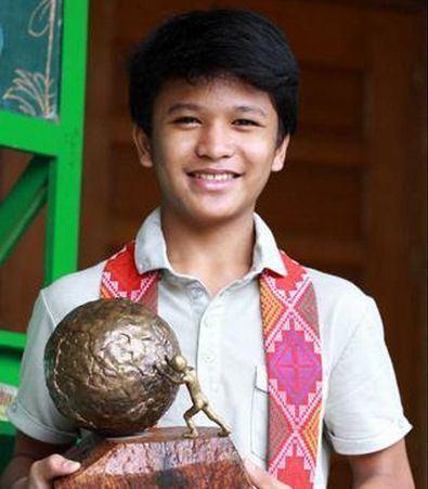 Kesz Valdez Chris Valdez Filipino Scavenger now World Inspiration for