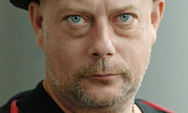 Kevin Brooks (writer) Carnegie medal under fire after 39vile and dangerous