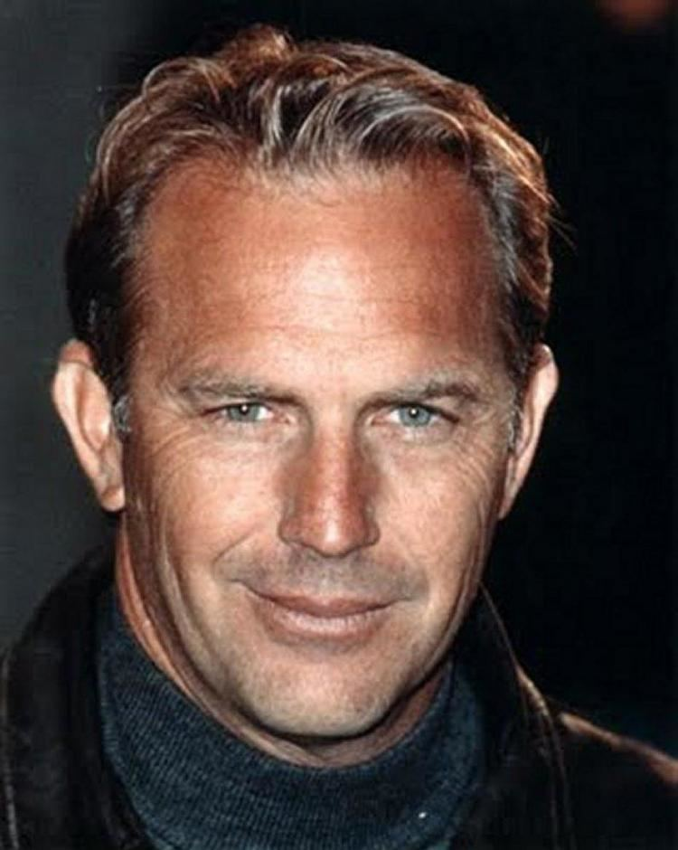 Kevin Costner Hot Guys in Sweaters Kevin Costner Lisa Pietsch amp Family