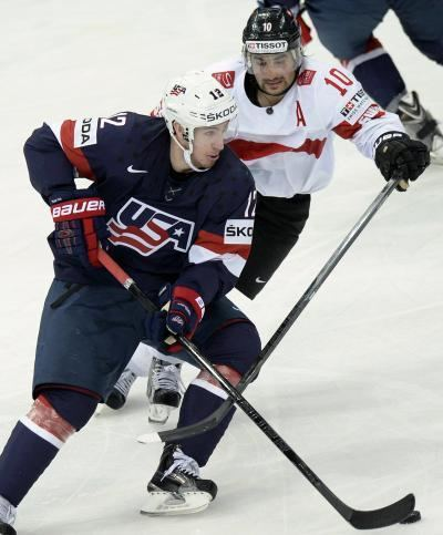 Kevin Hayes (ice hockey) NY Rangers sign prized prospect Kevin Hayes out of Boston