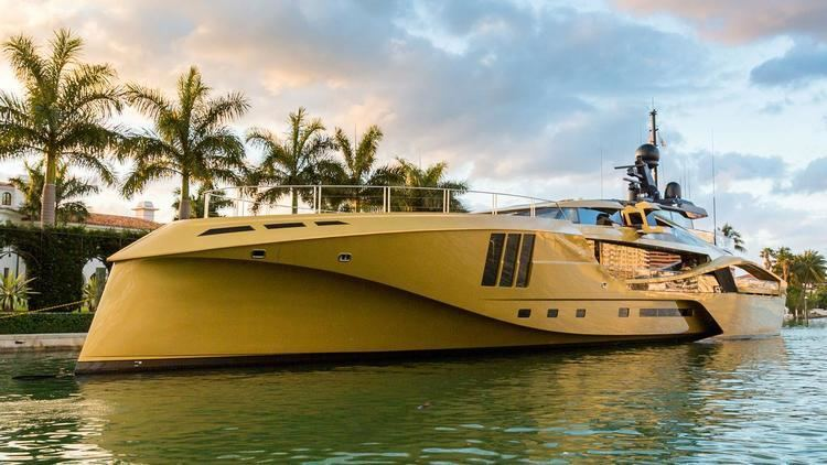Khalilah (yacht) On board Khalilah the first allcarbon 49m superyacht Boat