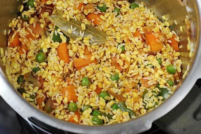 Khichdi Dal khichdi recipe video How to make dal khichdi recipe in