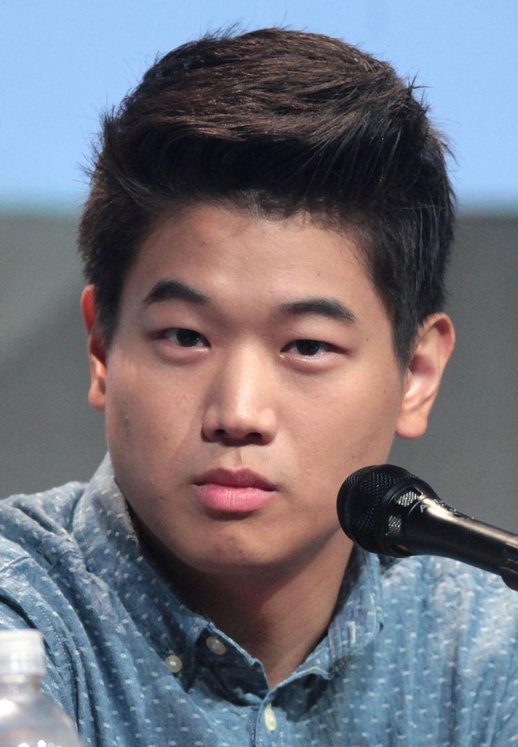 Ki Hong Lee httpsuploadwikimediaorgwikipediacommons99