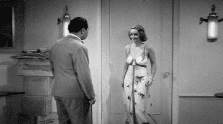 Kid Galahad (1937 film) movie scenes Wayne Morris is okay He s big and stiff and perhaps a little more dopey than what the script called for Although I was amazed at how much charm he