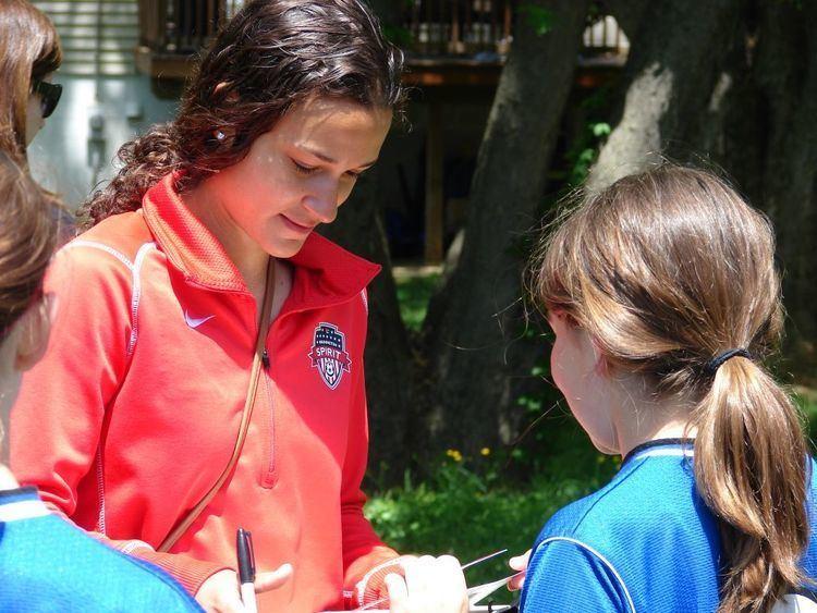 Kika Toulouse Kika Toulouse Draws Crowds at Photo Day Appearance BRYC