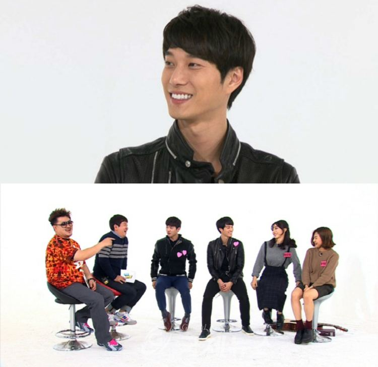 Kim Ian Kim Ian Is the FirstEver Actor on Variety Show quotWeekly