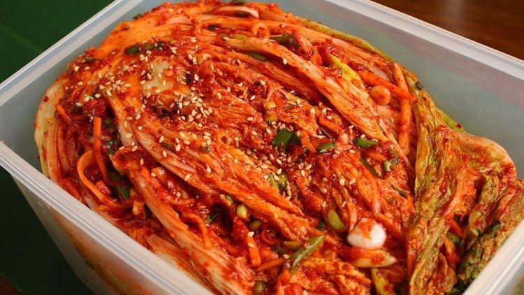 Kimchi Traditional kimchi recipe Tongbaechukimchi YouTube