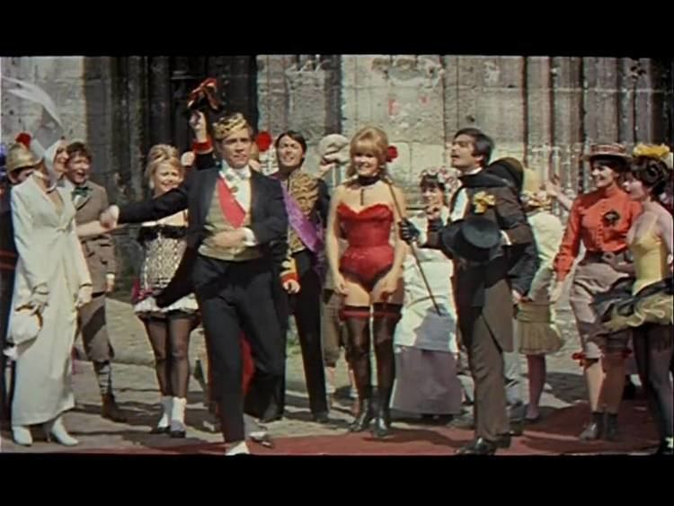 King of Hearts (1966 film) KING OF HEARTS TRAILER YouTube