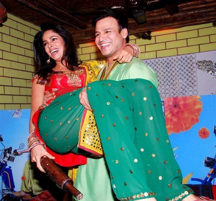 Kismat Love Paisa Dilli Movie Promotion Photos
