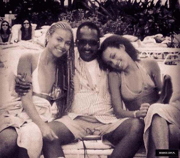 KJKK Unknown kjkk Beyonce Photo Gallery Paparazzi Photoshoots