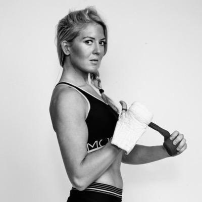 Klara Svensson httpspbstwimgcomprofileimages6272012202146