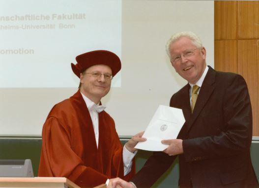 Klaus Brockhoff Goldene Doktorurkunde fr Professor Klaus Brockhoff WHU Otto
