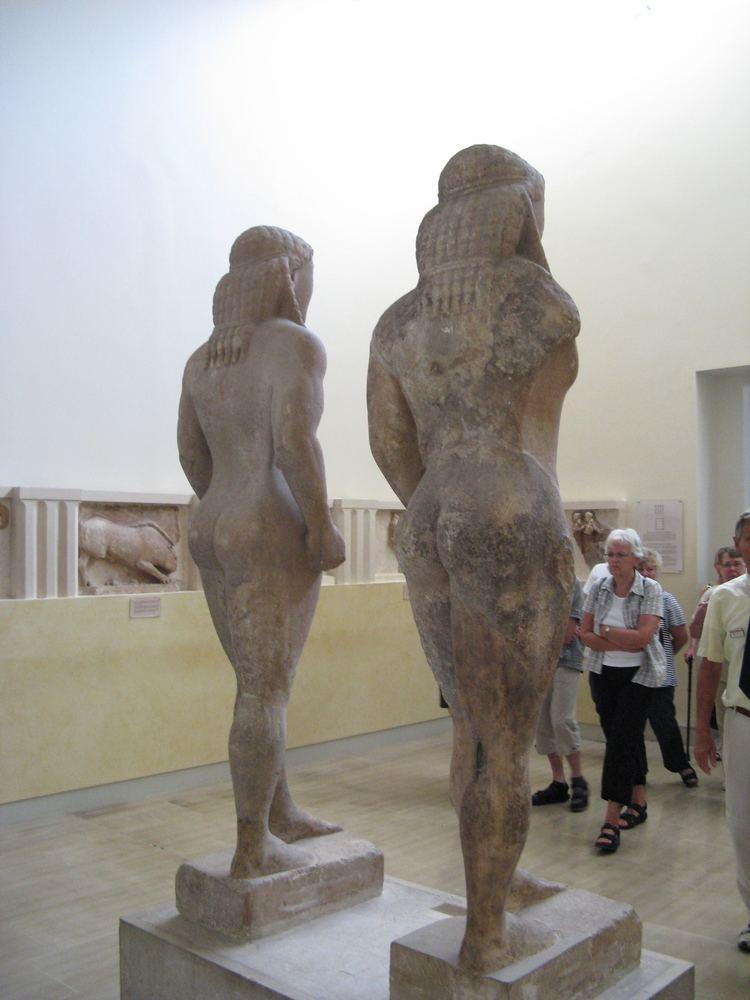 Kleobis and Biton FileKleobis and Biton statue2jpg Wikimedia Commons
