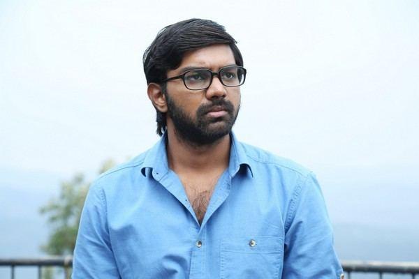 Kola Bhaskar Movie editor Kola Bhaskars son debuts as heroAndhravilas
