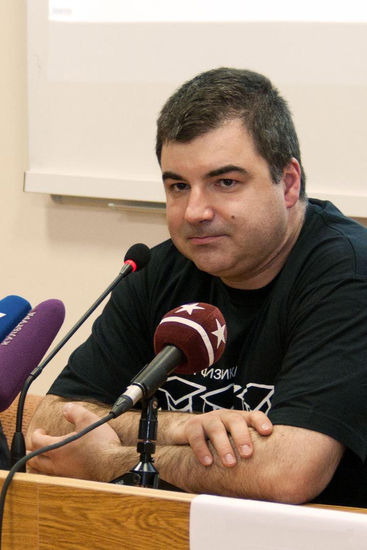 Konstantin Novoselov FileKonstantin Novoselov at MIPTjpg Wikimedia Commons