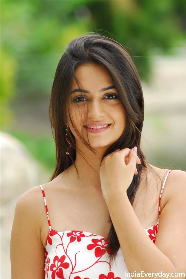Kriti Kharbanda kriti kharbanda kannada movie actress photos Kannadamovie