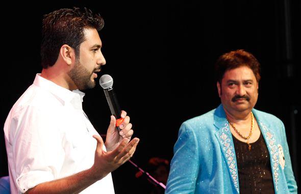 Kumar Sanu Kumar Sanu Entertains Houston Indo American News