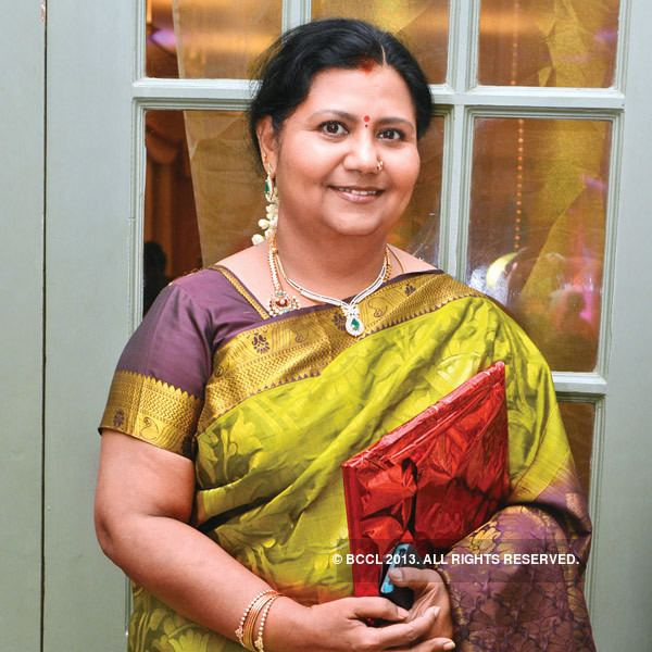Kutty Padmini Kutty Padmini gets clicked as she arrives for Vikrant and