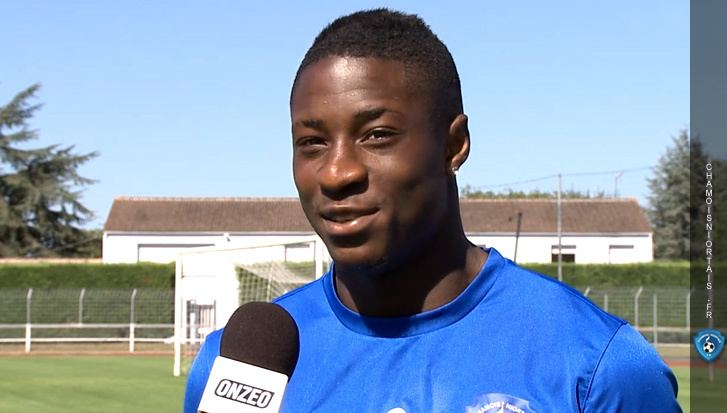 Kévin Mayi KEVIN MAYI SE PRESENTE Chamois Niortais FC