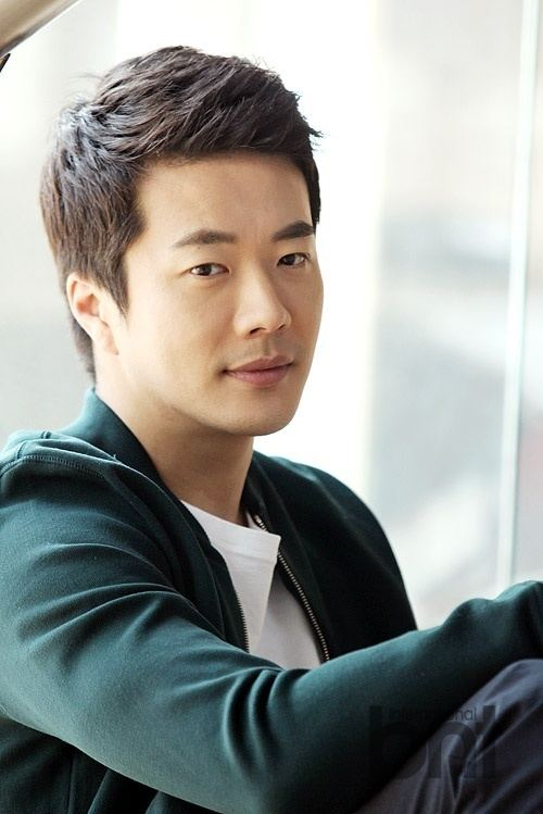 Kwon Sang-woo BNTNews Interview Kwon Sang woo tells about his life in