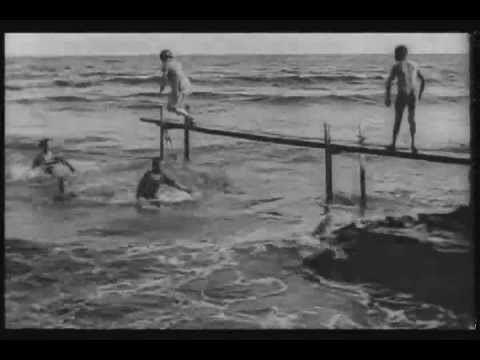 La Mer (film) httpsiytimgcomvivAP2Wq7CZkhqdefaultjpg
