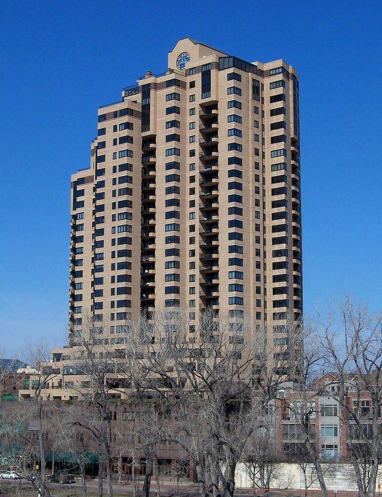 La Rive Condominiums