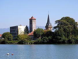 La Roche-de-Glun httpsuploadwikimediaorgwikipediacommonsthu