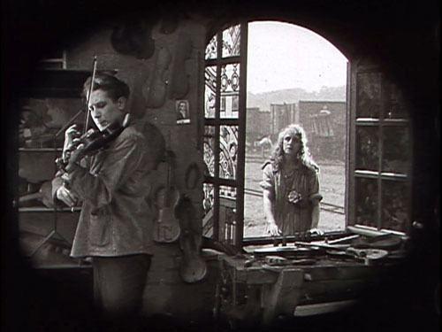 La Roue Observations on film art An oldfashioned sentimental avantgarde