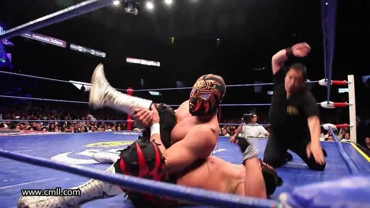 La Sombra (wrestler) Mexican Wrestling Match La Sombra Vs Felino YouTube