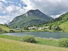 La Thuile, Savoie httpsuploadwikimediaorgwikipediacommonsthu