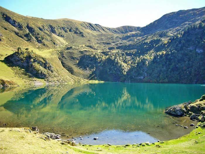 Lac de Bareilles wwwlacsdespyreneescom65aureimagesbareilles4jpg