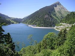 Lac de l'Hongrin httpsuploadwikimediaorgwikipediacommonsthu
