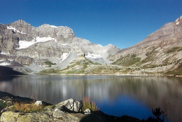 Lac de Salanfe httpsuploadwikimediaorgwikipediacommonsee