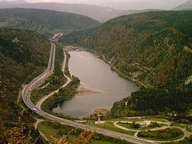 Lac de Sylans httpsuploadwikimediaorgwikipediacommonsthu
