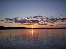 Lac-Devenyns, Quebec httpsuploadwikimediaorgwikipediacommonsthu