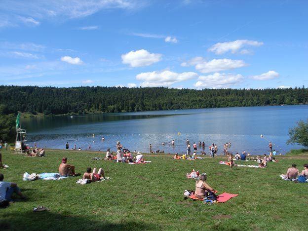 Lac du Bouchet wwwhauteloirefrsitescg43IMGjpglacbouchetb