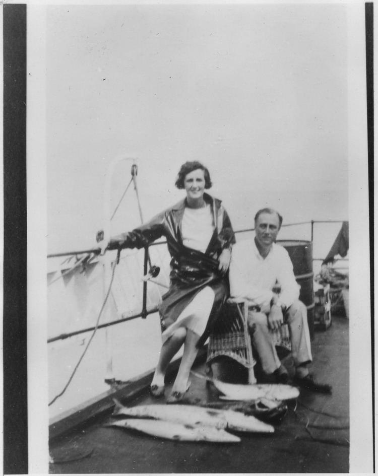 Lady Cynthia Mosley FileFranklin D Roosevelt Lady Cynthia Mosley in Florida NARA