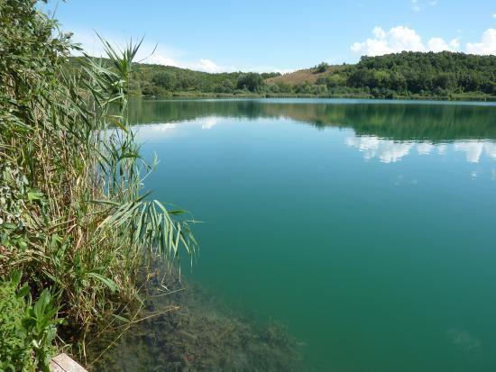Lago dell'Accesa httpsmediacdntripadvisorcommediaphotos08